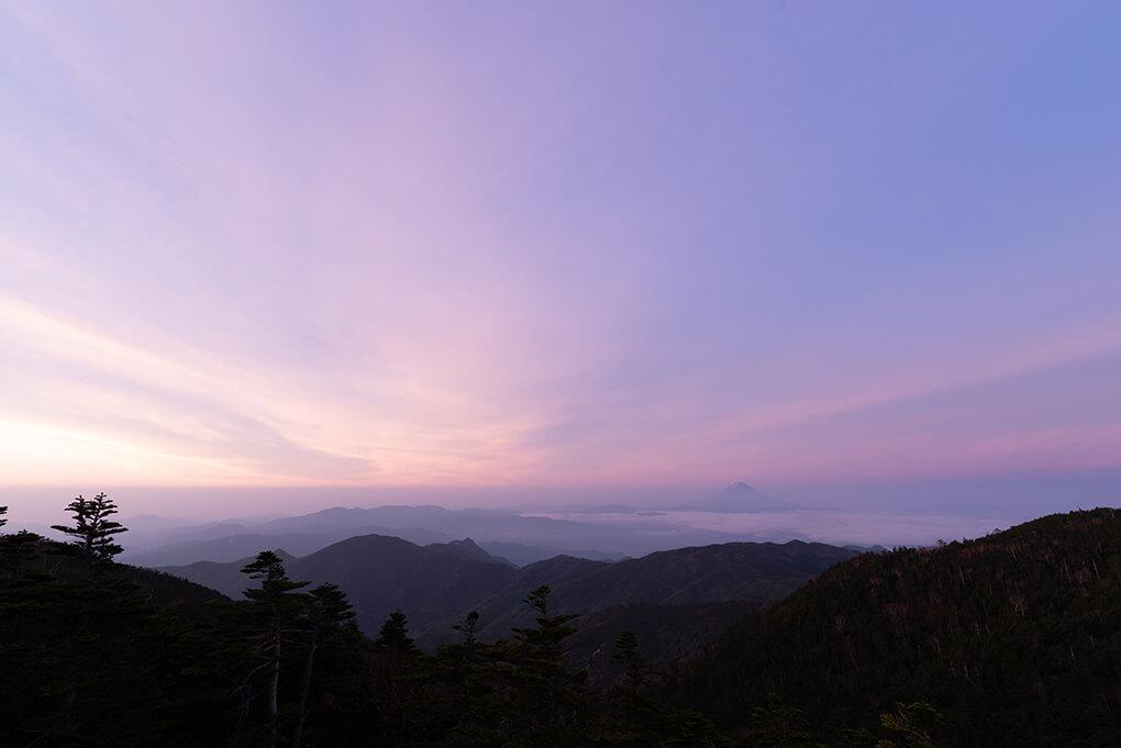 山頂からの朝焼け