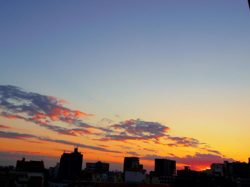 都内の夕暮れ