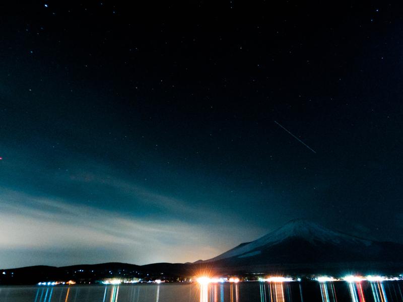富士の夜空