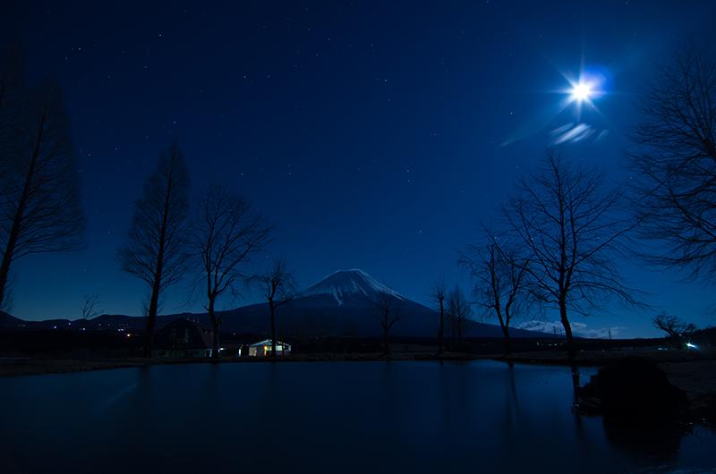 月照富士山