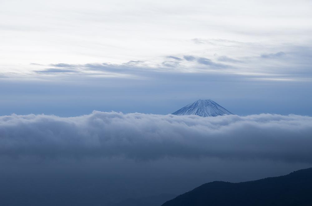 雲の上にて