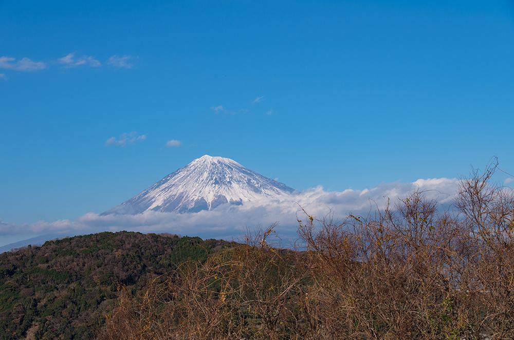 雲と山と富士山と