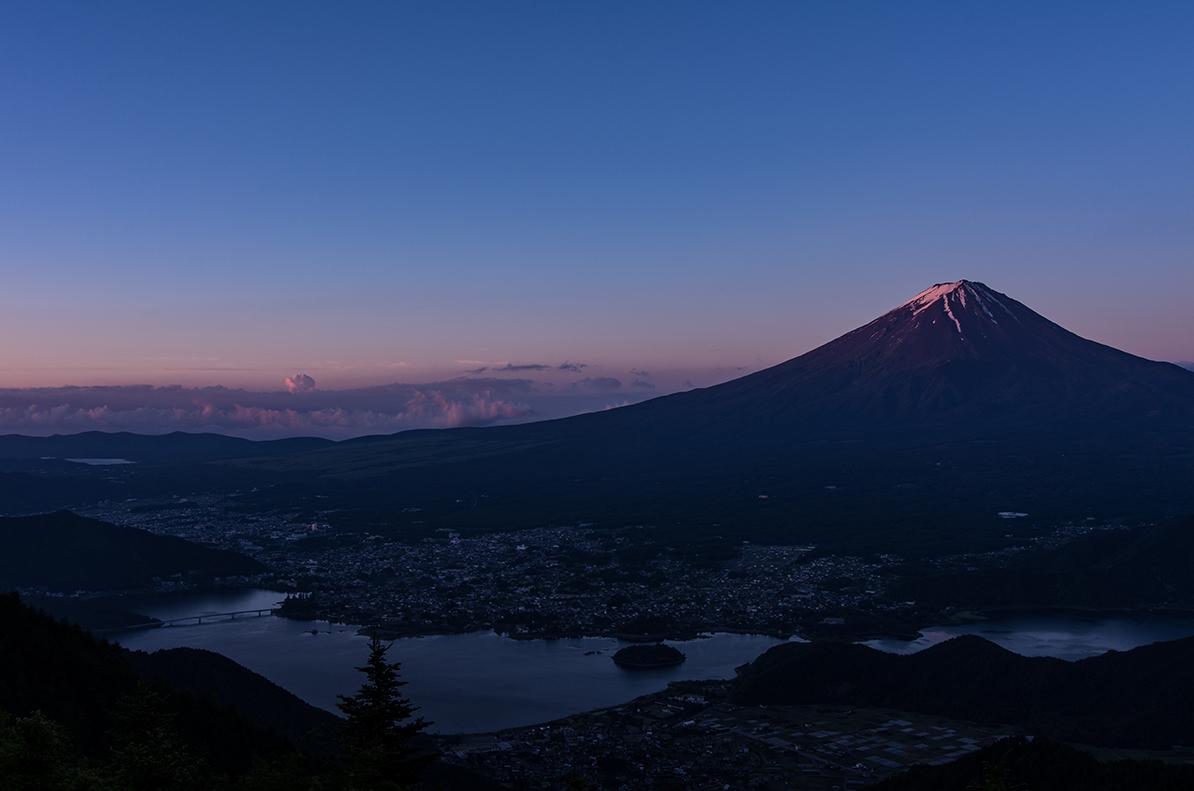 季節外れの紅富士