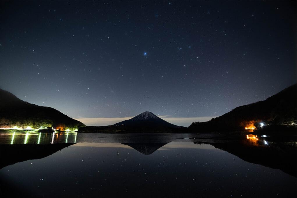 湖面の光り