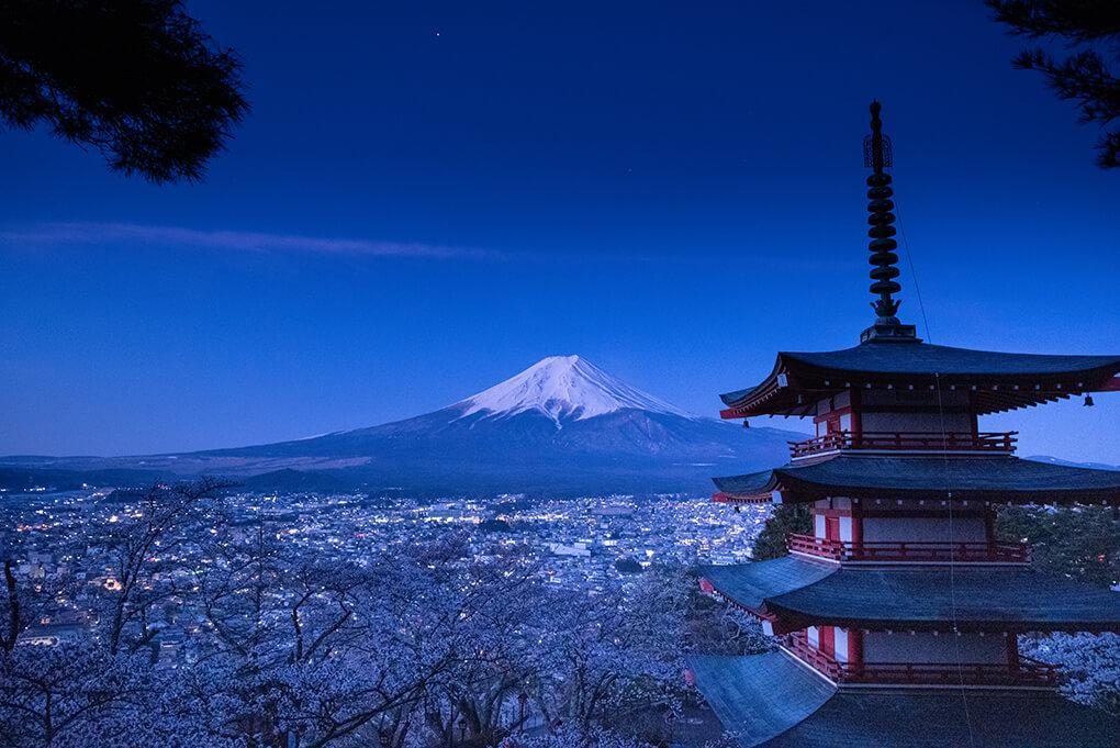 忠霊塔からの夜景