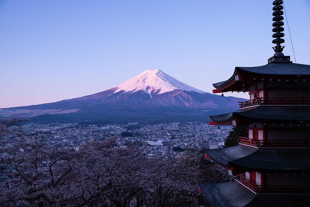 新倉山浅間公園からの紅富士