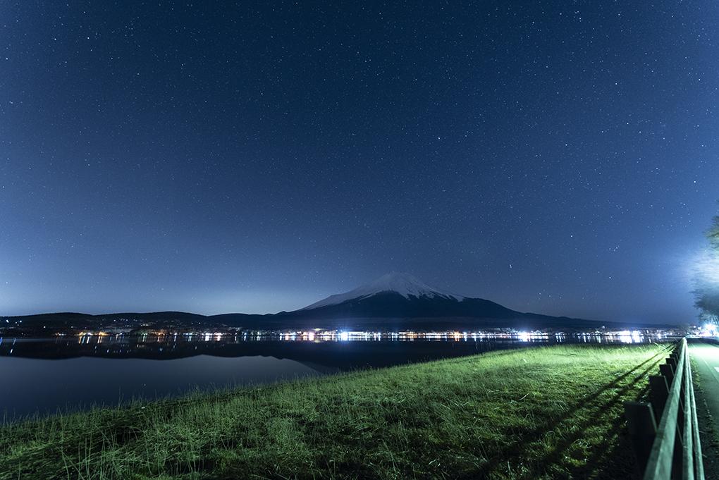 山中湖からの星空